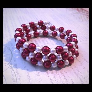Jewelry - 🌺Crimson and White Pearls Memory Wire Bracelet🌺